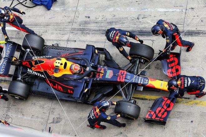 2020年F1第11戦アイフェルGP アレクサンダー・アルボン(レッドブル・ホンダ)がトラブルでリタイア