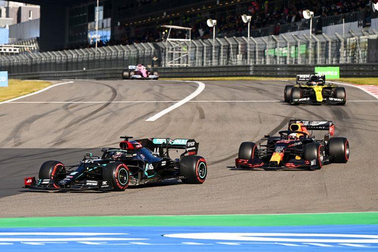 F1 | 【気になる一言】SCの影響を受けたレッドブル、ハミルトンは「DASがあるのでタイヤが冷えにくかった」と分析