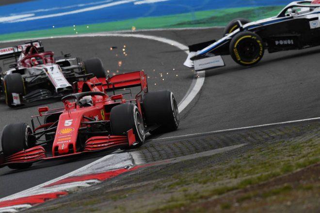 2020年F1第11戦アイフェルGP キミ・ライコネン(アルファロメオ)とジョージ・ラッセル(ウイリアムズ)が接触