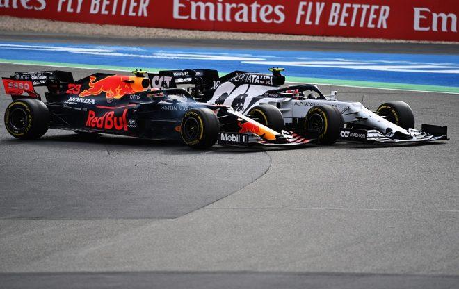 2020年F1第11戦アイフェルGP ピエール・ガスリー(アルファタウリ・ホンダ)とアレクサンダー・アルボン(レッドブル・ホンダ)のバトル
