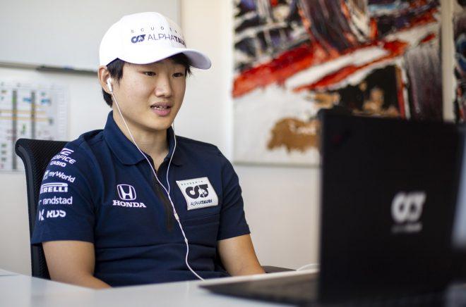 スクーデリア・アルファタウリ・ホンダのファクトリーでF1のシート合わせを行った角田裕毅