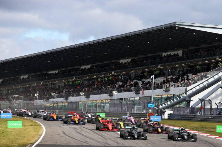 F1 | メルセデスF1代表、ハミルトンとボッタスの首位争いに満足「接触しないと確信していた」