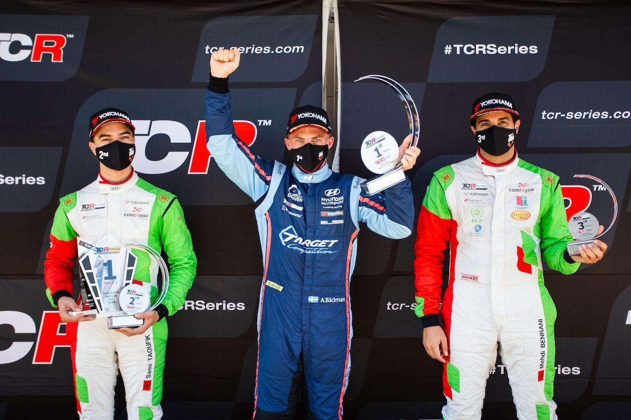TCR EU第4戦:マイク・ハルダーが2年越しのバルセロナ制覇。兄妹ドライバーの兄が揃って躍進