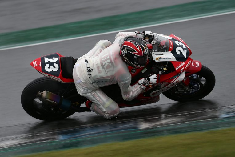 MotoGP | 高橋裕紀、名越哲平を突き放して3戦連続ポール。代役参戦の渥美心はフロントロウ獲得/全日本ロード第4戦もてぎ ST1000予選