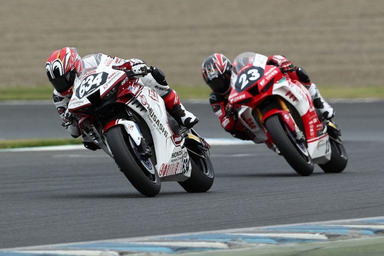 MotoGP | 名越哲平がトップを守り抜き初優勝。高橋裕紀は惜しくも2位/全日本ロード第4戦もてぎ ST1000 決勝