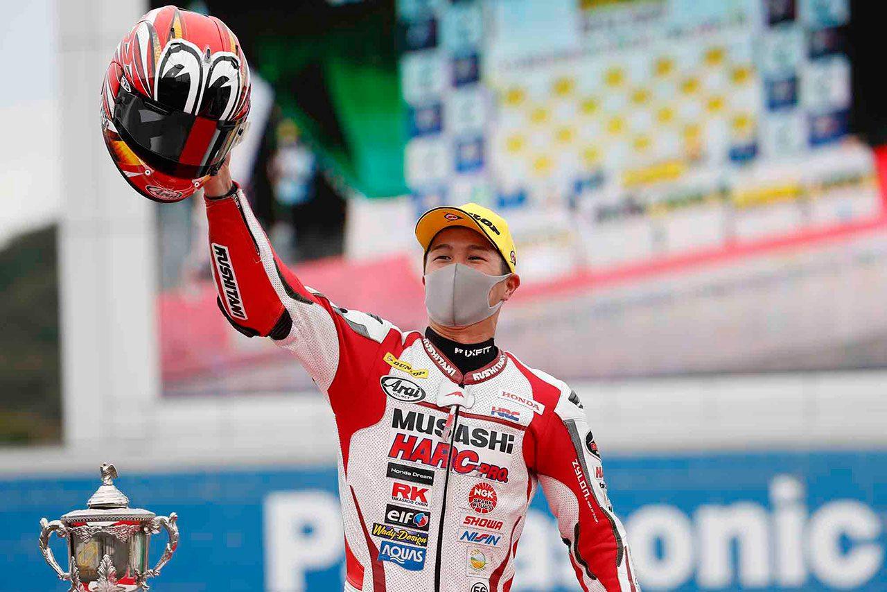 名越哲平がトップを守り抜き初優勝。高橋裕紀は惜しくも2位/全日本ロード第4戦もてぎ ST1000 決勝