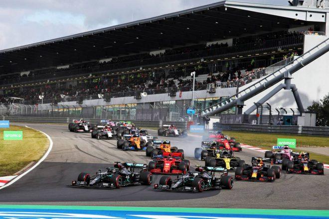2020年F1第11戦アイフェルGP スタートでの1コーナーではハミルトンがボッタスのインへ入る