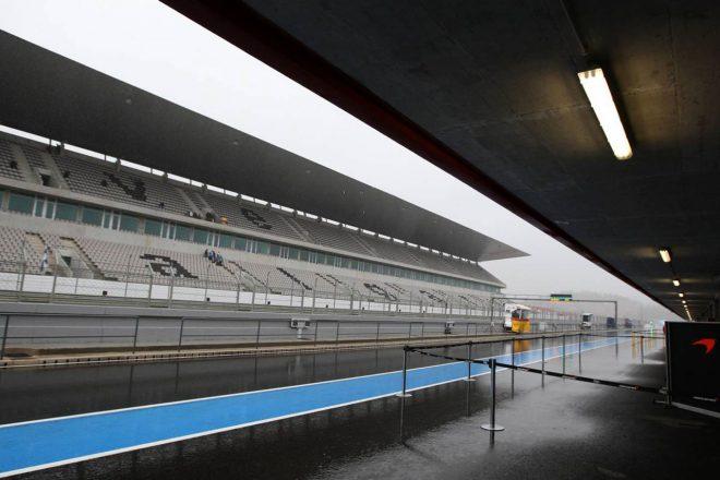 2020年F1第12戦ポルトガルGPが開催されるポルティマオ・サーキットのグランドスタンド