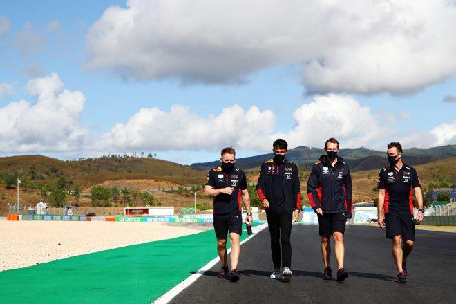 2020年F1第12戦ポルトガルGP コース下見をするアレクサンダー・アルボン(レッドブル・ホンダ)