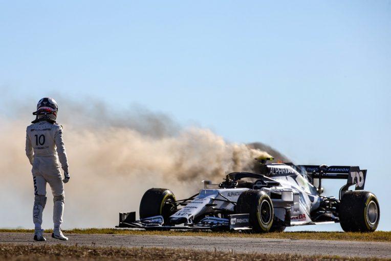 F1   ガスリー、マシンから出火しストップ「突然すべてがシャットダウンした」アルファタウリ・ホンダ【F1第12戦金曜】