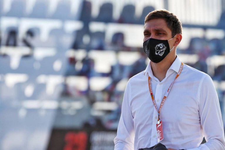 F1 | ビタリー・ペトロフがF1ポルトガルGPのスチュワードを辞任。母国ロシアで父が死去