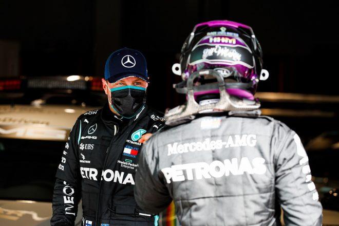2020年F1第12戦ポルトガルGP 予選2番手のバルテリ・ボッタス(メルセデス)とポールポジションを獲得したルイス・ハミルトン(メルセデス)