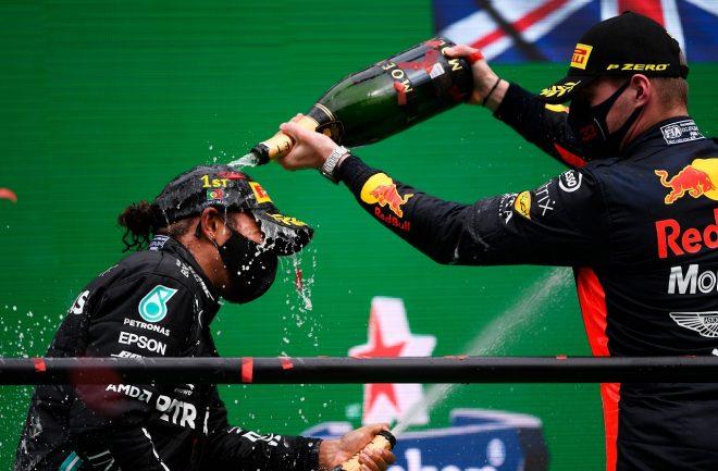 2020年F1第12戦ポルトガルGP 3位マックス・フェルスタッペン(レッドブル・ホンダ)と優勝したルイス・ハミルトン(メルセデス)