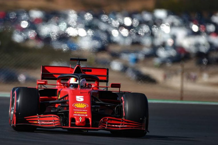 F1   フェラーリF1代表、ベッテルとルクレールのマシンは「間違いなく同じだ」と不平等説を一蹴
