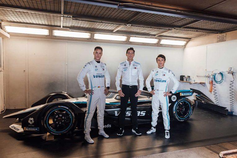 海外レース他   フォーミュラE:メルセデスがシーズン7マシンをお披露目。ドライバーはバンドーンとデ・フリース継続