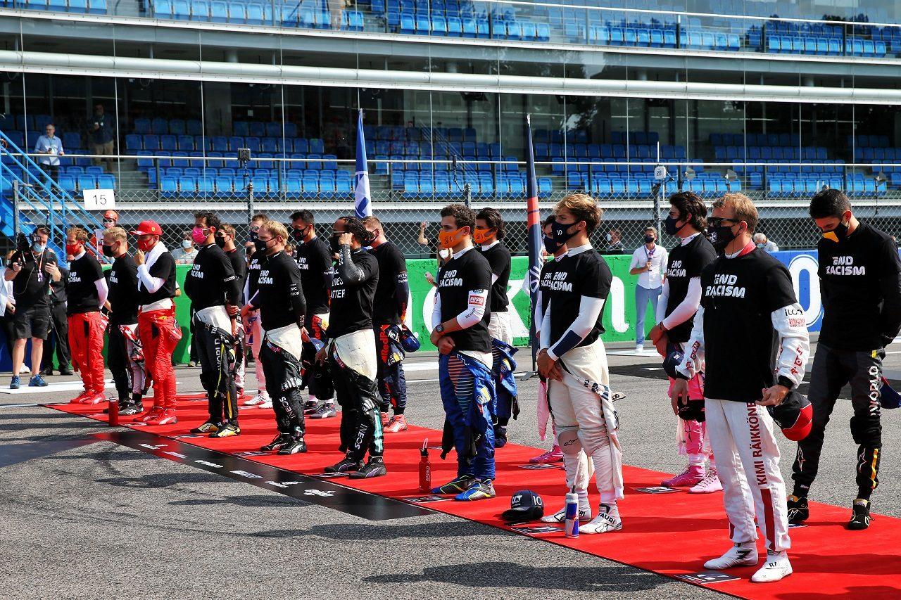 2020年F1イタリアGP 決勝前のセレモニーのため集合したドライバーたち