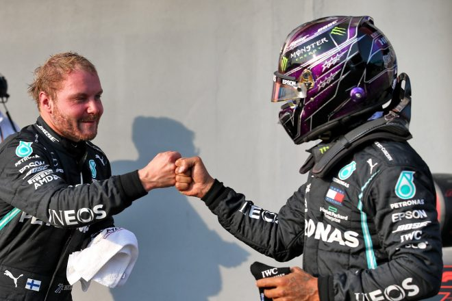 2020年F1第13戦エミリア・ロマーニャGP ポールポジションのバルテリ・ボッタスと2番手のルイス・ハミルトン(メルセデス)