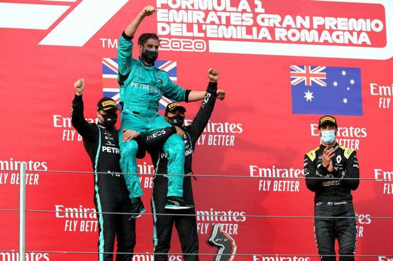 F1   ハミルトンが逆転優勝、メルセデスはコンストラクターズ7連覇。クビアトが表彰台に迫る4位【決勝レポート/F1第13戦】