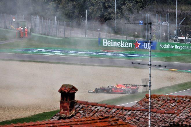 2020年F1第13戦エミリア・ロマーニャGP マックス・フェルスタッペン(レッドブル・ホンダ)、タイヤトラブルによりコースオフ