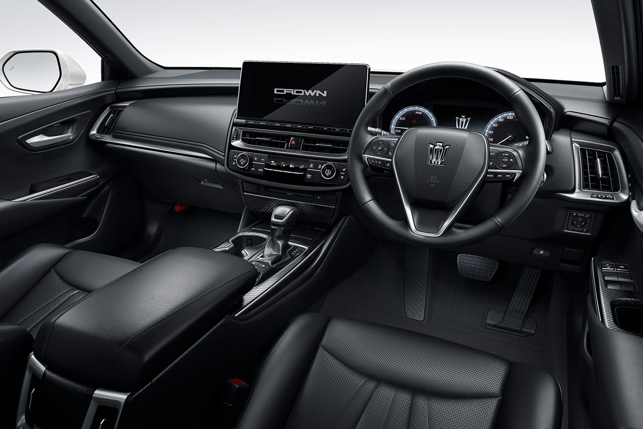 『トヨタ・クラウン』が一部改良。内外装の質感向上のほか予防安全パッケージに先進機能を付与