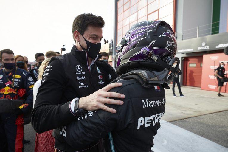 "F1 | メルセデスF1代表、ハミルトンとの新契約に自信。交渉の遅れと""引退示唆""にはコロナ禍の影響あり"