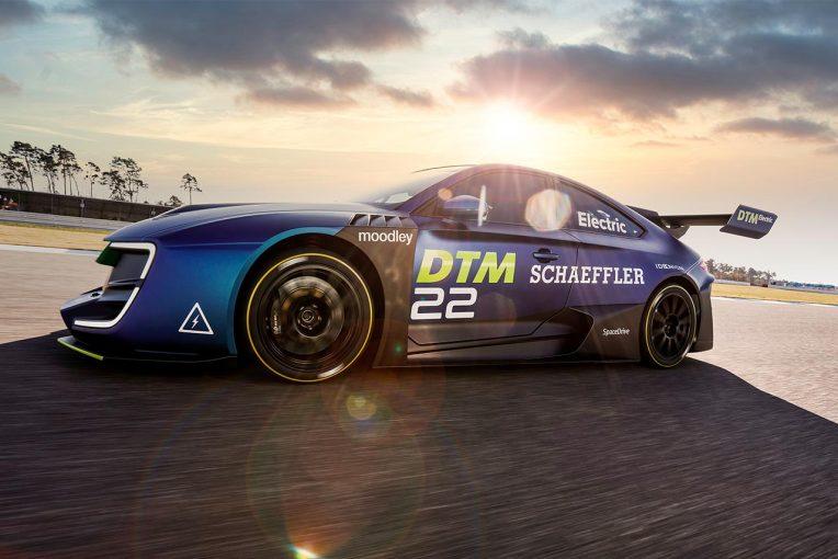 海外レース他 | DTM、2023年の電動レーシングカー導入を目指しデモカーをお披露目
