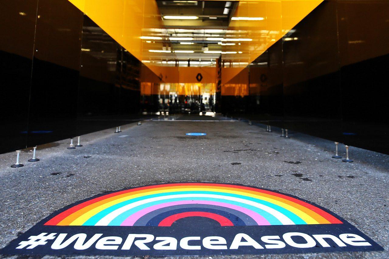 2020年F1第1戦オーストリアGP 『We Race As One』のロゴ