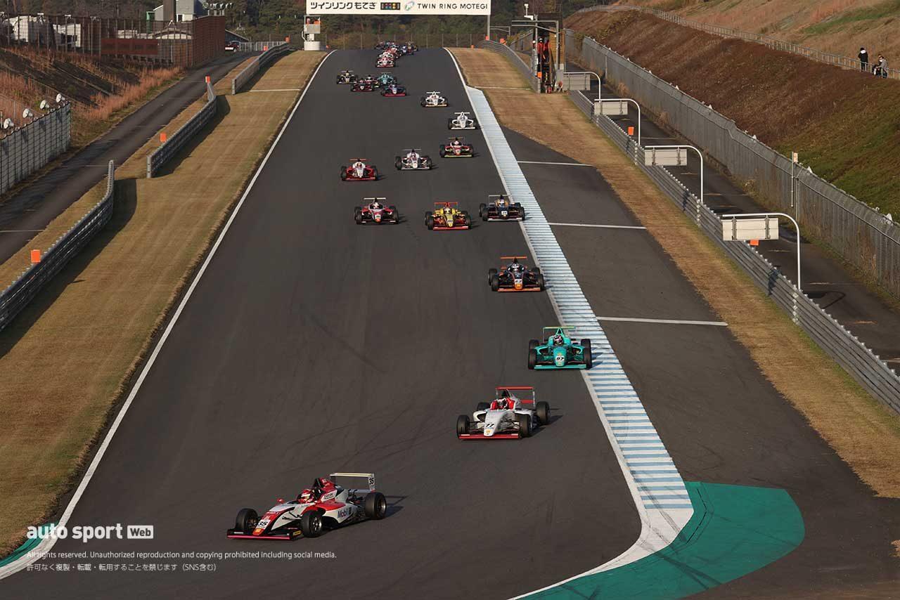 FIA-F4 第8戦もてぎ 1周目の90°コーナー