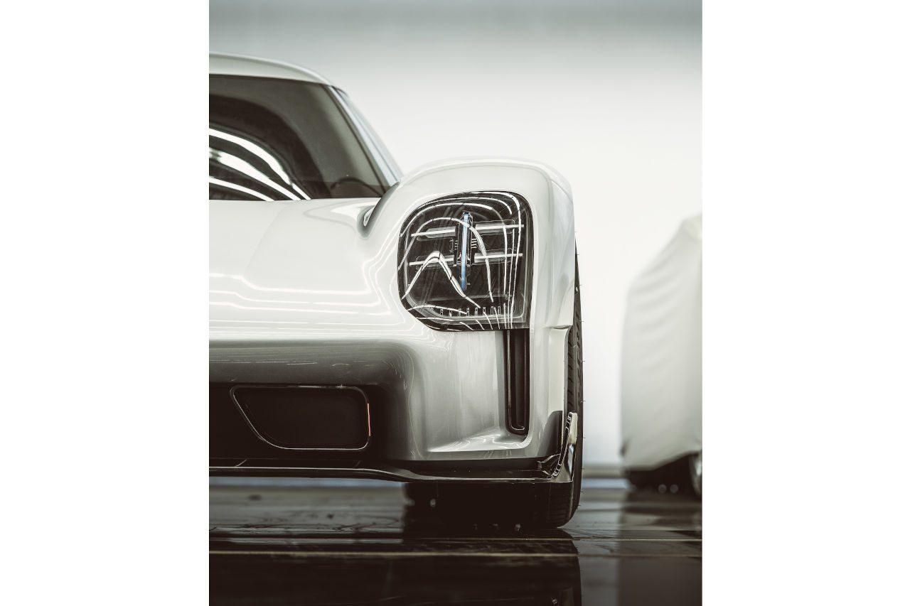 ポルシェ、WEC撤退でお蔵入りした幻のハイパーカー『919ストリート』初公開