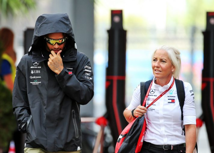 F1 | メルセデスF1のハミルトン、フィジオの支えの大きさを語る「アンジェラとの出会いは人生に起きた最も素晴らしいこと」