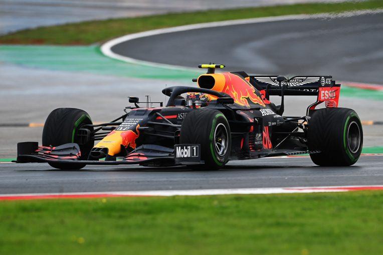 F1   レッドブルF1のアルボン、トルコGPでマシンを微調整し「以前よりも挙動が安定した」と明かす