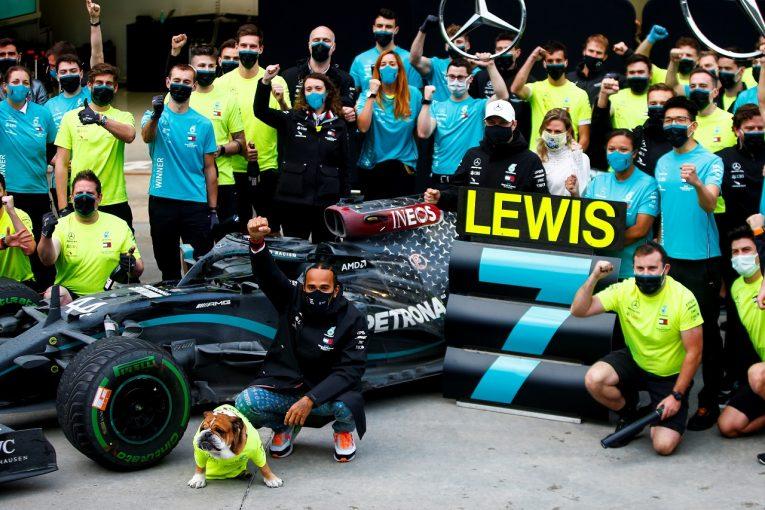 F1 | ハミルトン、7冠の記録達成で感涙「まだ始まったばかり。どんな夢でもこのチームとなら実現できる」メルセデス【F1第14戦】