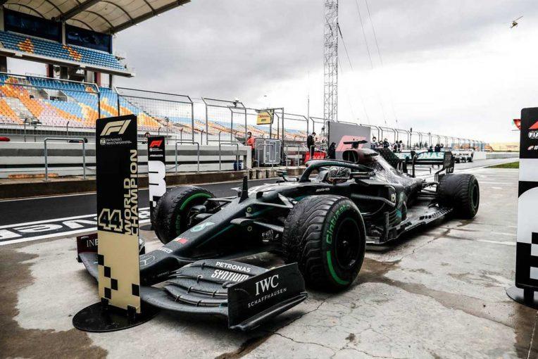 F1   ピレリ、タイトル決定のハミルトンを祝福「見事なタイヤマネジメントは、この偉業達成に重要だった」