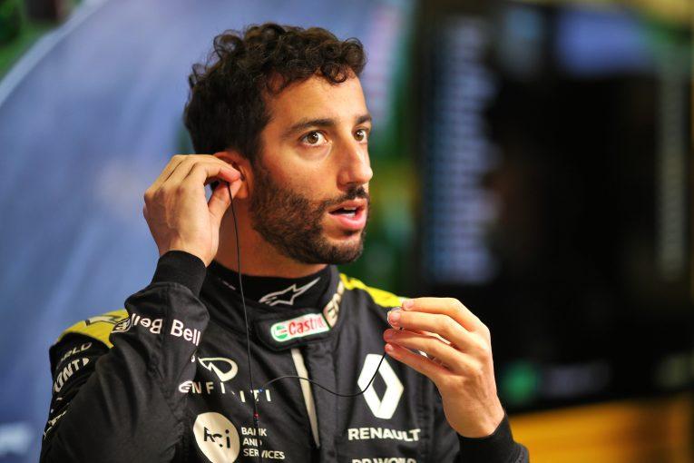 F1 | リカルド10位「行き場を失い、チームメイトに当ててしまった」ルノー【F1第14戦決勝】