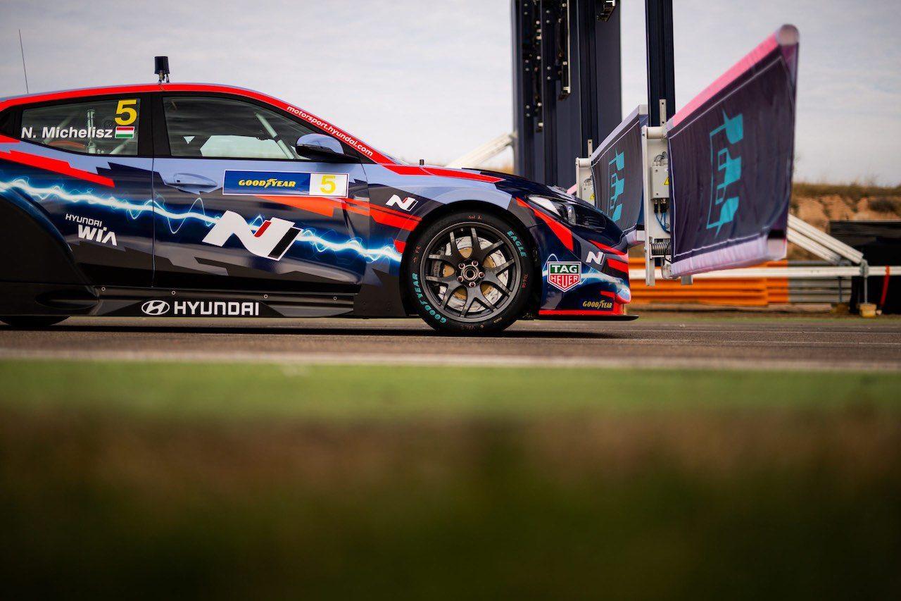 ETCR:2車種目の電動ツーリングカー『アルファロメオ・ジュリアETCR』が公式アンベイル
