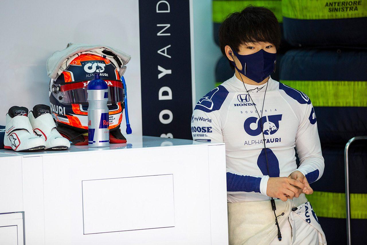 アルファタウリ・ホンダで初のF1テストに臨んだ角田裕毅