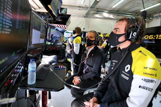 2020年F1エミリア・ロマーニャGPを訪れたフェルナンド・アロンソとルノーのノンエグゼクティブチェアマン、アラン・プロスト