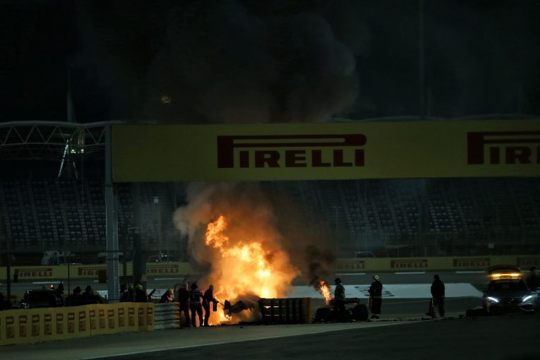 F1 | F1バーレーンGP:グロージャン、大クラッシュでマシン炎上も無事脱出。レースは赤旗中断に