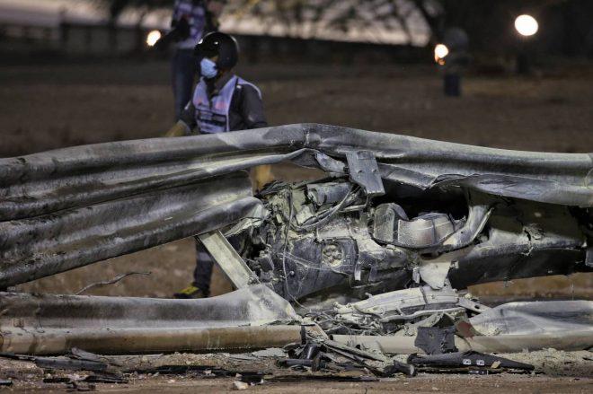 2020年F1第15戦バーレーンGP ロマン・グロージャン(ハース)のマシンは真っ二つになり、モノコックはガードレールに突き刺さって炎上した