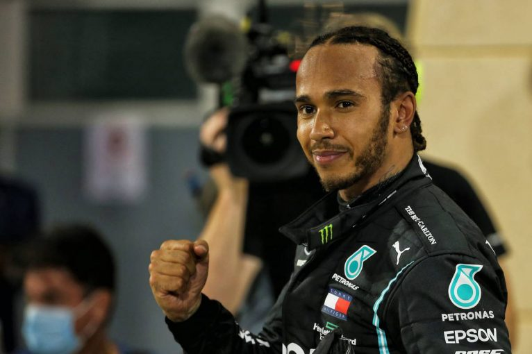F1 | SC3回の大波乱レースでレッドブル・ホンダが揃って表彰台に。ハミルトンが5連勝【決勝レポート/F1第15戦】