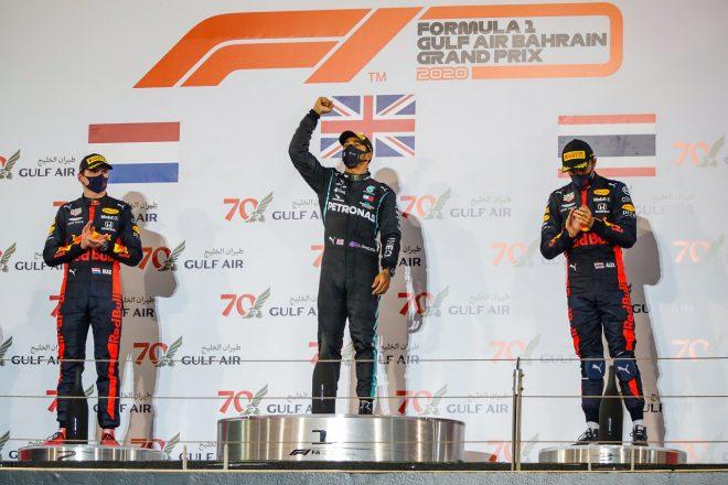 2020年F1第15戦バーレーンGP ルイス・ハミルトン(メルセデス)が優勝、マックス・フェルスタッペン(レッドブル・ホンダ)が2位、アレクサンダー・アルボン(レッドブル・ホンダ)が3位を獲得