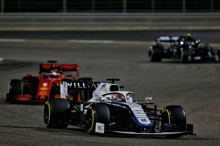 F1   ラッセル「ベッテルを抑えながら2台をパスしてクビアトとバトル。これが最善の結果だ」:ウイリアムズ F1第15戦決勝