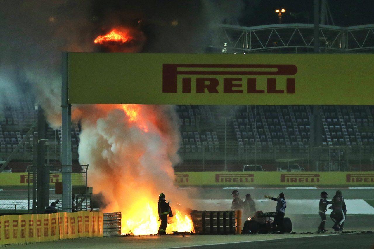 2020年F1第15戦バーレーンGP決勝 ロマン・グロージャン(ハース)が大クラッシュ、マシンが炎上