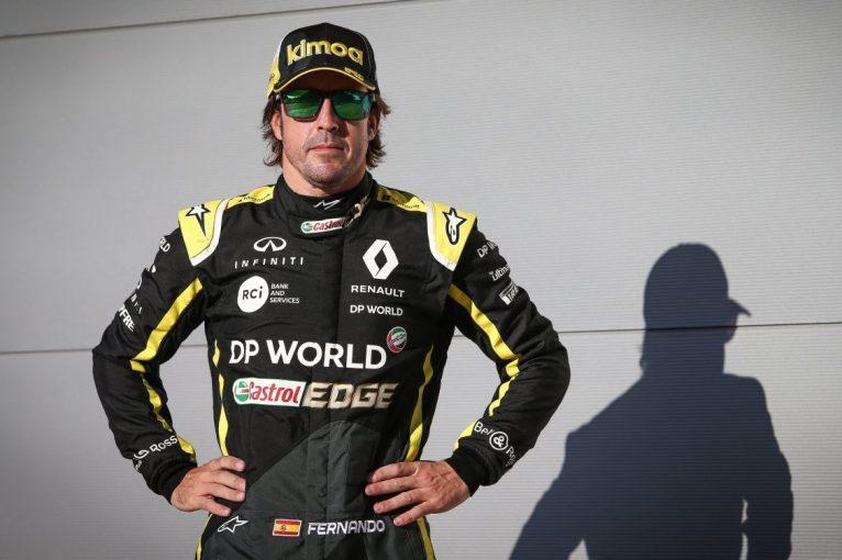 F1 | FIAがアロンソのF1若手テスト参加を承認。ルノー、周冠宇との2人体制を発表