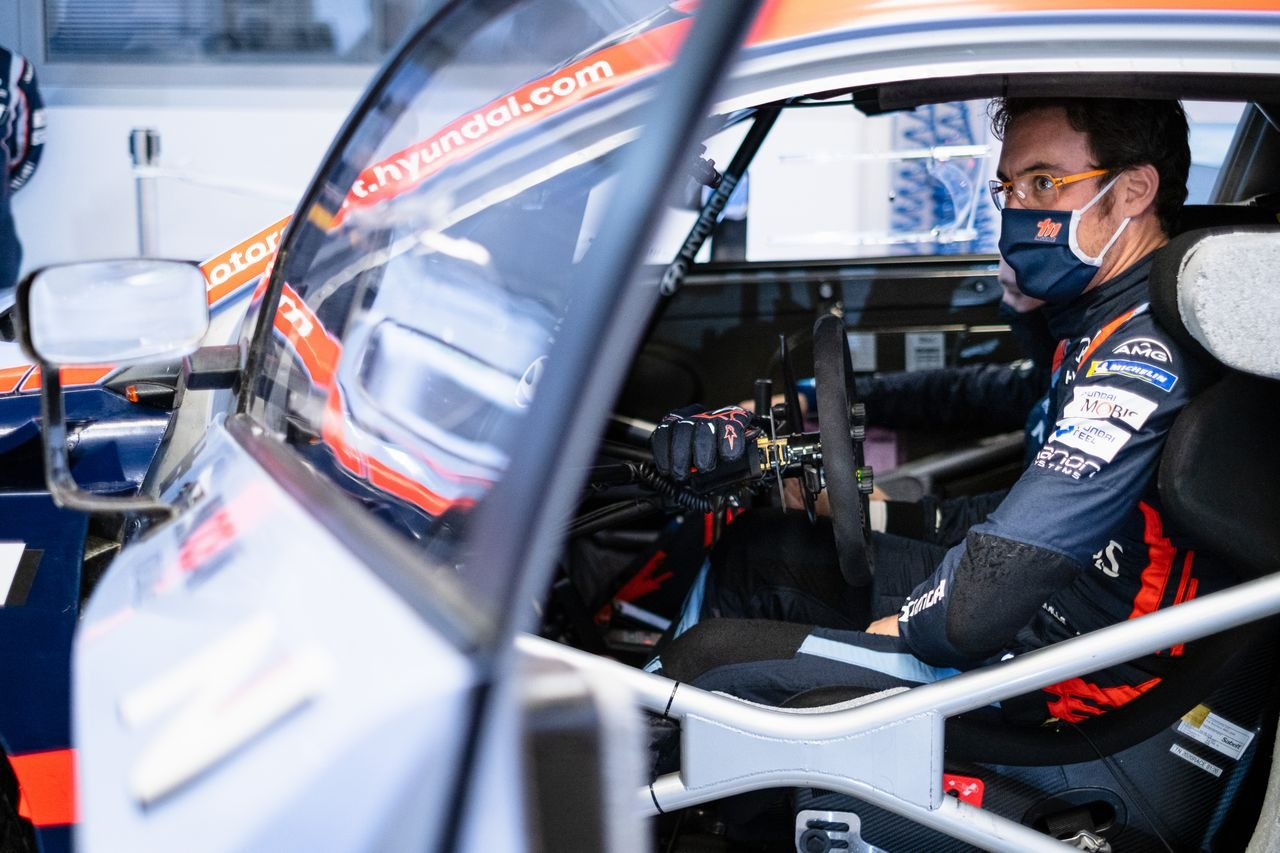 リタイアのヌービル「ストールから再スタートが切れなかった」/WRC第7戦モンツァ デイ2後コメント