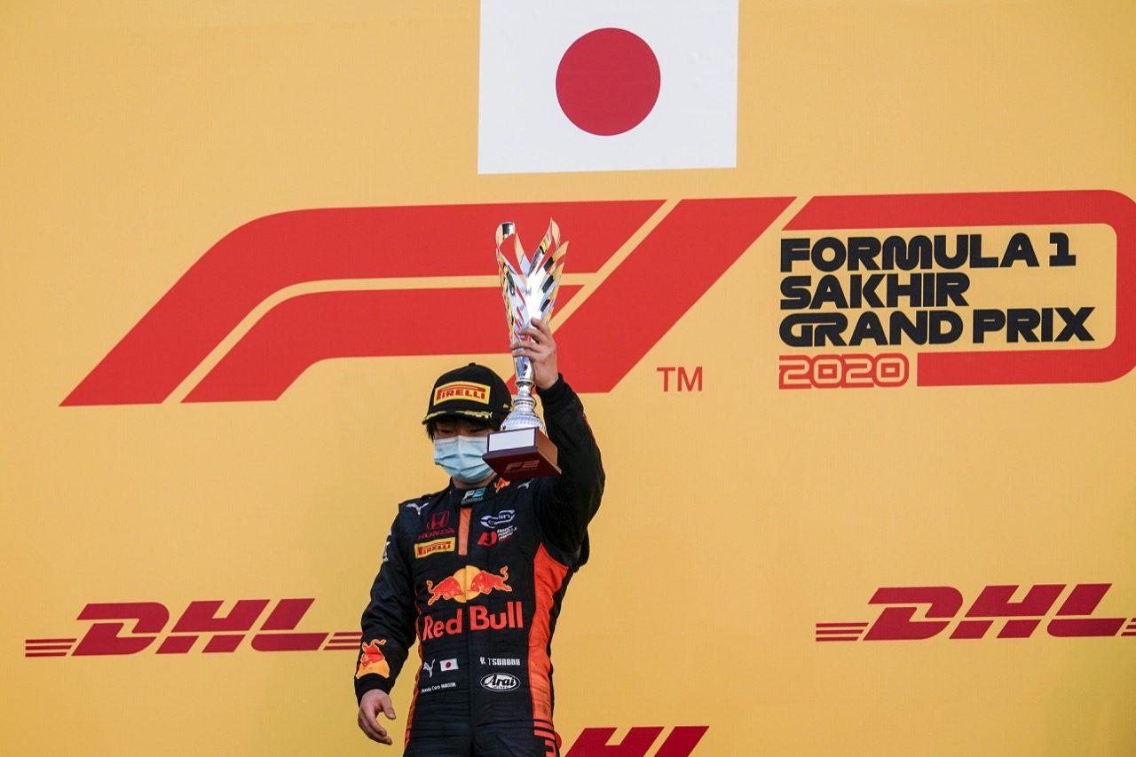 優勝し選手権3位復帰の角田裕毅「カーリンに心から感謝したい」【FIA-F2第12戦バーレーン レース1 順位結果】