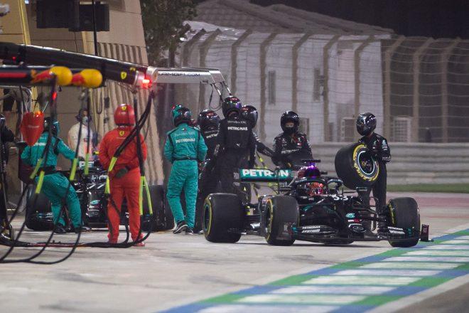 2020年F1第16戦サクヒールGP ジョージ・ラッセルとバルテリ・ボッタスのダブルストップで混乱するメルセデスチーム