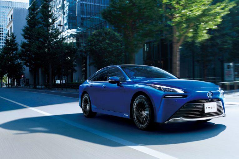 クルマ   トヨタ、燃料電池車『ミライ』をフルモデルチェンジ。水素社会実現に向けた新たな出発点