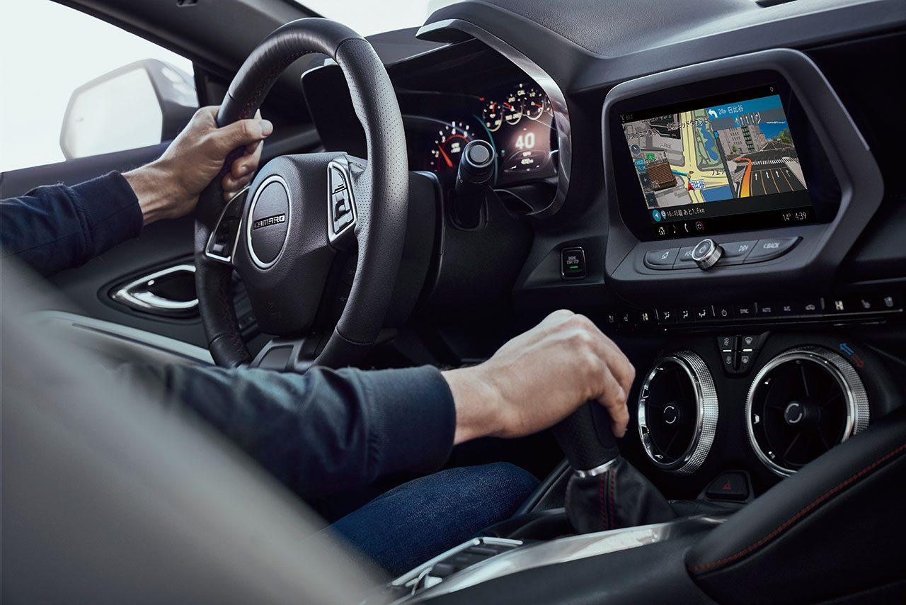 """新型『シボレー・カマロ』発表。完全通信車載ナビ""""クラウドストリーミングナビ""""が標準装備に"""