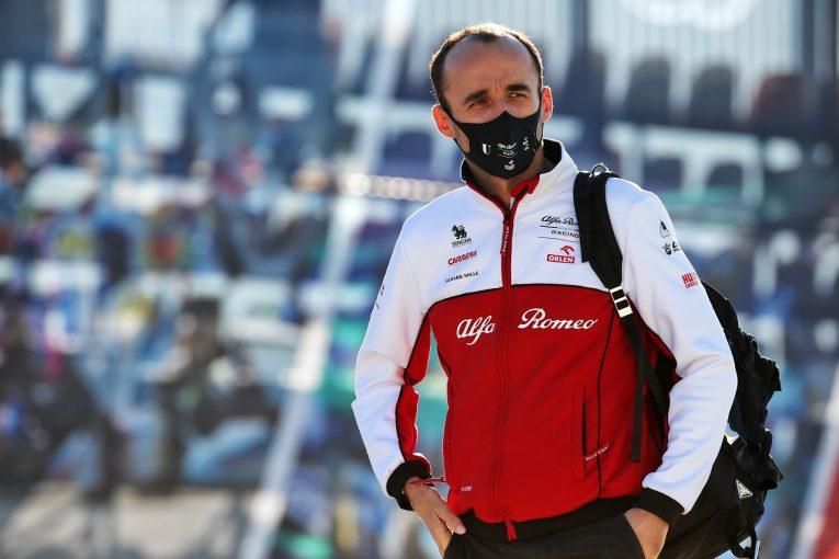 F1 | アルファロメオF1のクビサがアブダビFP1で走行。若手ドライバーテストにも参加へ